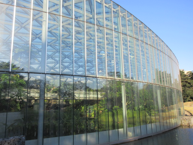 新宿御苑の大温室の外観
