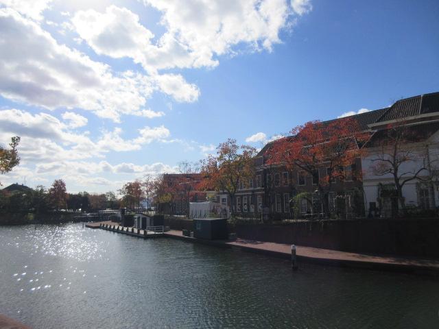 紅葉が進むハウステンボスの景観