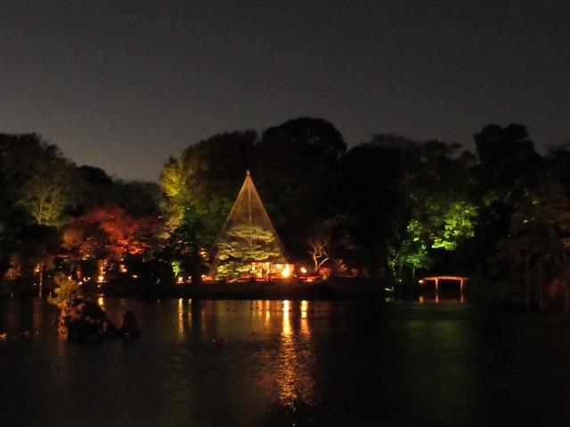 出汐の湊から眺める吹上茶屋のライトアップ