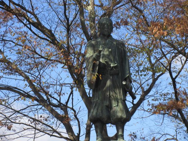 田中吉政の像