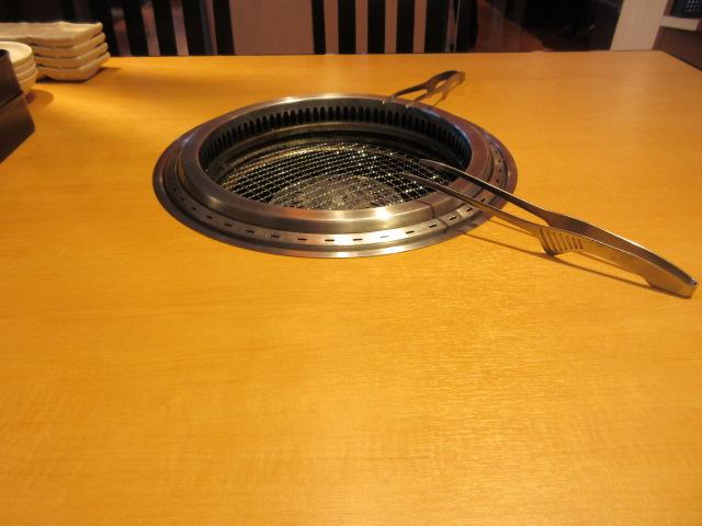 焼肉きんぐのテーブル席