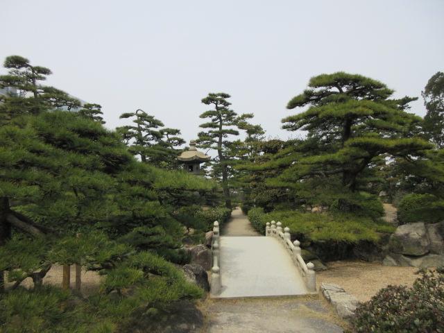 披雲閣の日本庭園