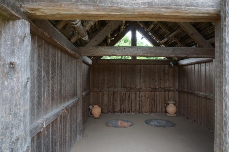 南内郭の竪穴住居