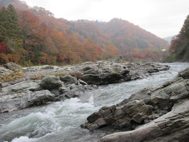 岩畳と荒川