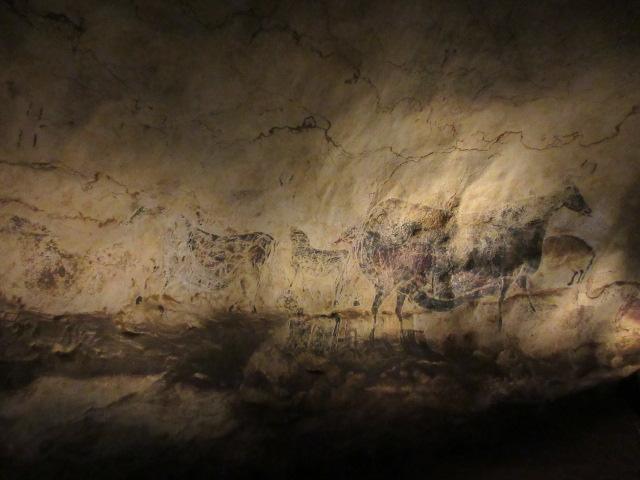 牛と馬の壁画