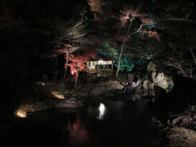 滝見茶屋のライトアップ