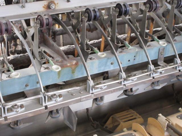 繰糸所の自動繰糸機