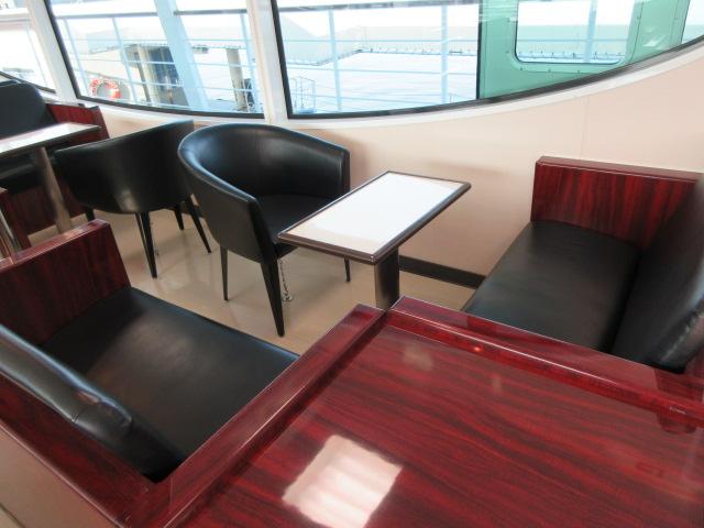 一等室のテーブル