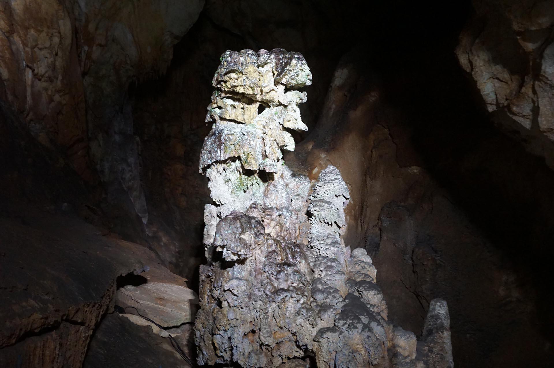 秋芳洞の巌窟王