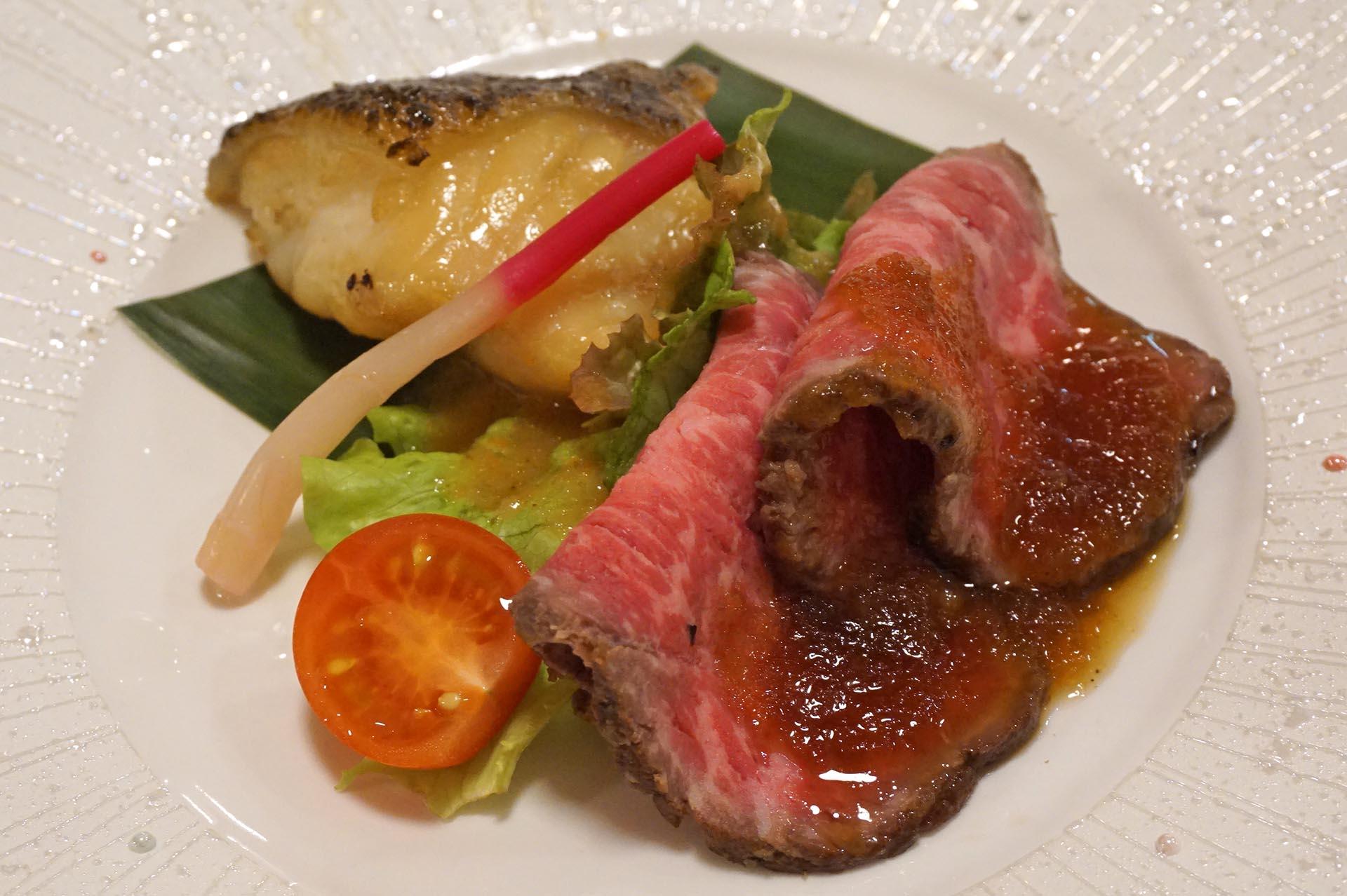 ユウベルホテル松政のローストビーフとクエの焼き魚
