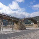 芸術的な巨大アーチに感動、日本の三名橋に数えられる錦帯橋へ旅行