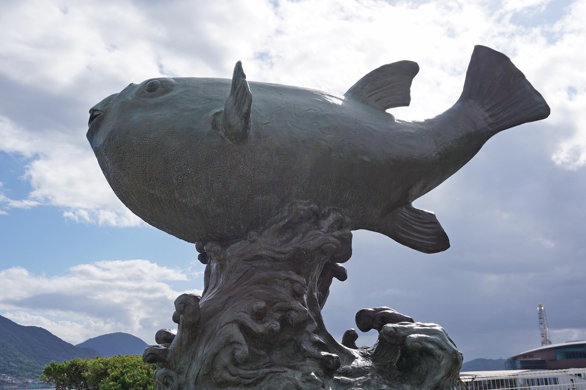 亀山八幡宮のふくの像