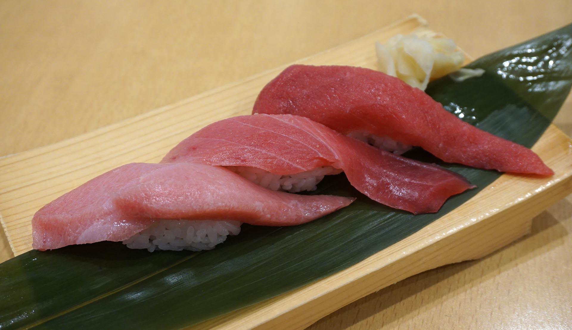 魚がし鮨の特上まぐろ3種