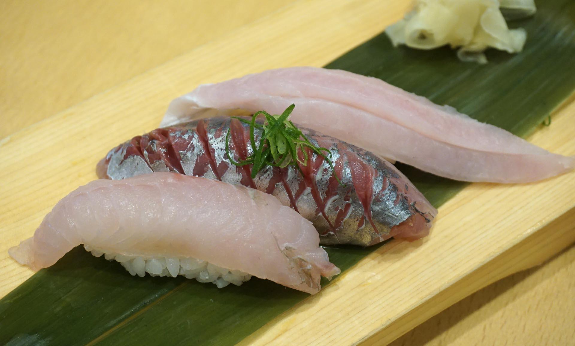 魚がし鮨の朝獲れ3種