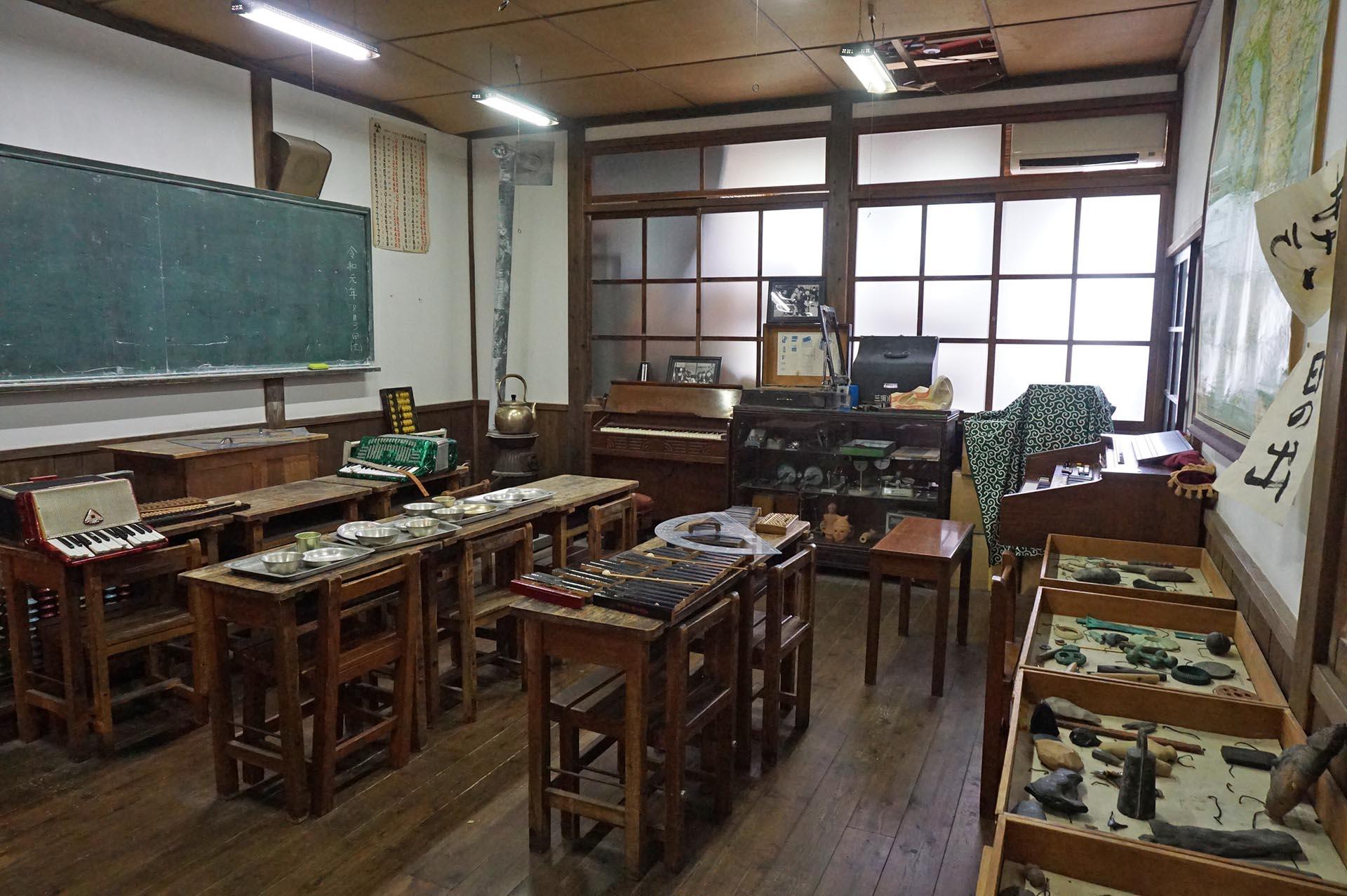 湯布院昭和館の学校