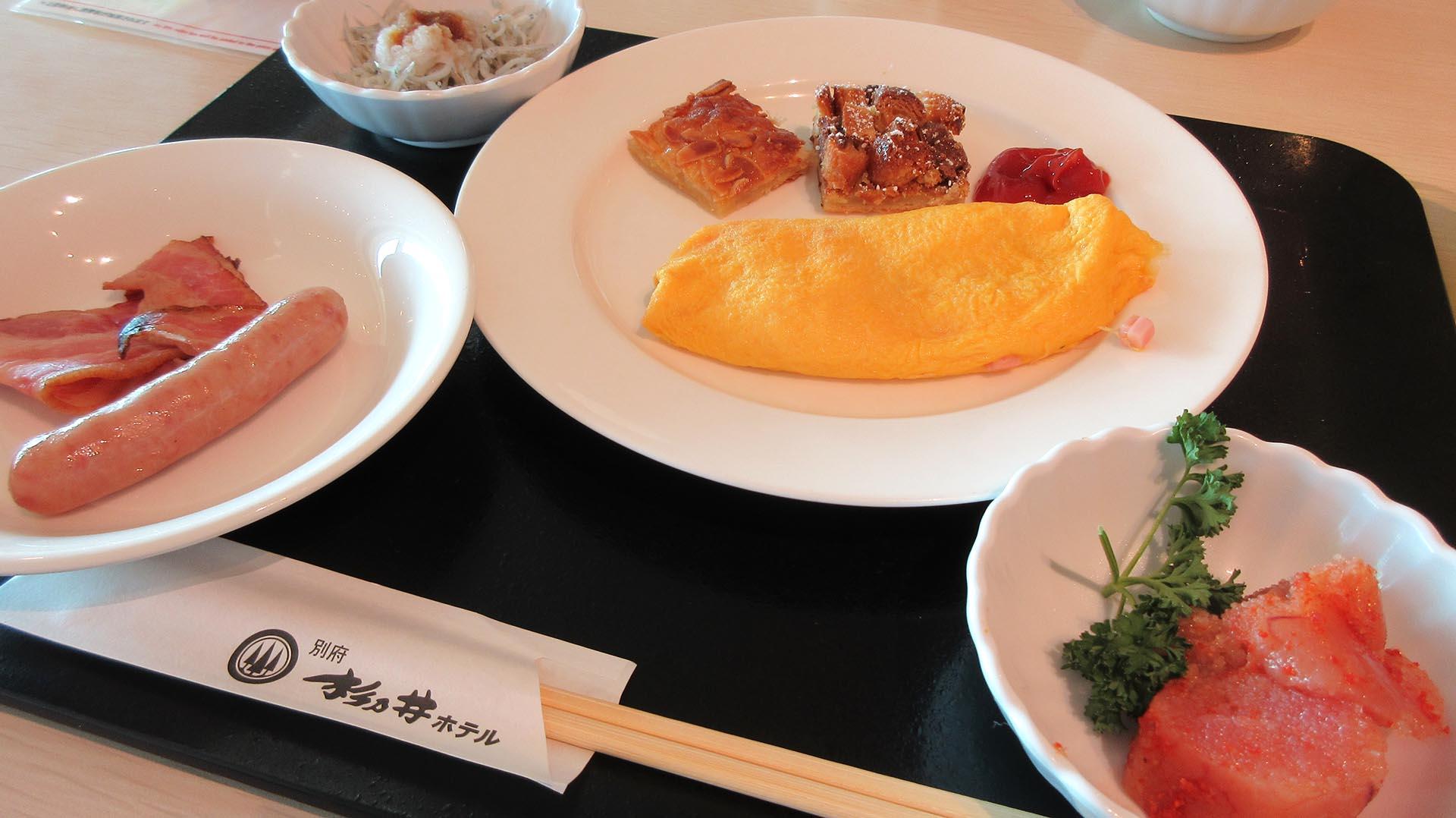 杉乃井ホテルの朝食(明太子やオムレツ)
